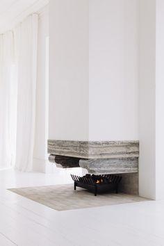 Amazing fireplace via Beautyreworked - desire to inspire - desiretoinspire.net