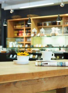 Genussvolle Pause im Alltag: Das Café von Naturkost Vier Jahreszeiten #Bio #Naturkost http://paulineshouse.com/naturkost-genuss-bistro-bio-supermarkt-koeln/#more-5198