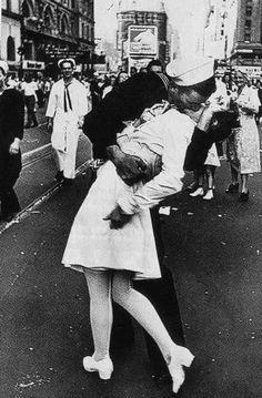 Iconic portrait of a Sailor military nurse celebrating the end of WW2 in Times Square