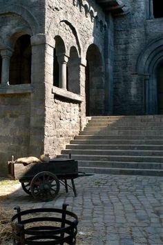 Robin Hood Production Image This also looks exactly like the exterior of the Abbey on the 'Cadfael' series Medieval Castle, Medieval Fantasy, Detail Architecture, Between Two Worlds, Dragon Age Inquisition, Kirchen, Story Inspiration, Fire Emblem, Middle Ages