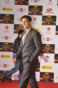 Akshay Kumar at Big Star Entertainment Awards 2012.