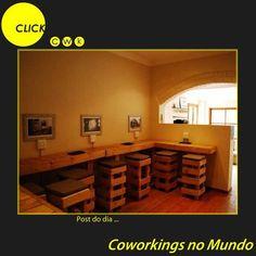 The Common Room (Johhanesburgo, África do Sul)  Localizado no subúrbio da cidade, possui uma sala com espaços particionados e outra com áreas abertas. Todo o mobiliário do espaço é feito de madeira reciclada de caixotes.