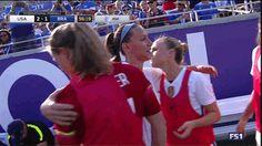 "The last ""New Kids"" hug. Soccer Gifs, Us Soccer, Soccer Quotes, Play Soccer, Kids Hugging, Orlando Pride, Tobin Heath, Alex Morgan, One Team"