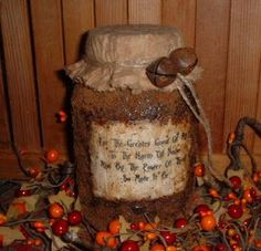 How to Create Primitive Jars - using Mod Podge, instant and ground coffee and spices - via The Krazy Kraft Lady: Primitive Grubby/Grungy Canning Jars - Diy for Home Decor Primitive Homes, Primitive Crafts, Primitive Christmas, Country Primitive, Primitive Candles, Primitive Mason Jars, Primitive Labels, Primitive Snowmen, Primitive Antiques