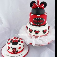 Three tier and single tier Minnie Mouse theme cake by bbkakes #cake…