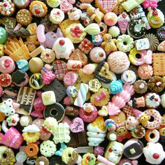 Kawaii Miniature Sweets Cabochon Mix Assorted by MiniatureSweet Polymer Clay Sweets, Cute Polymer Clay, Polymer Clay Miniatures, Polymer Clay Charms, Polymer Clay Creations, Biscuit, Kawaii Jewelry, Resin Charms, Clay Food