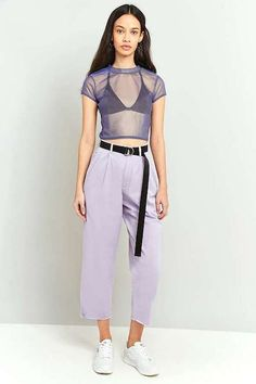Sneakers outfit - Lilac chino pants