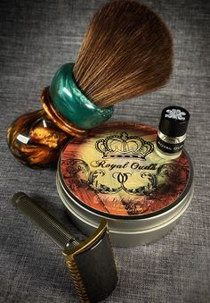 Razor: Fatip Piccolo Special Edition Blade: Astra Green Brush: Wild West Brushworks Synthetic Soap: Van Yulay Royal Oudh Other: Creed Royal Oud So I Painting Concrete, Stained Concrete, Creed Royal Oud, Hair Salon Names, Barber Shop Decor, Barber Haircuts, Beauty Salon Interior, Soap Base, Wet Shaving