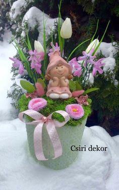 Floral Arrangements, Easter, Ornaments, Spring, Creative, Facebook, Home Decor, Decoration Home, Room Decor