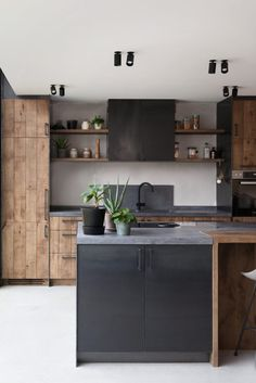 Home Decor Kitchen .Home Decor Kitchen Industrial Kitchen Design, Kitchen Cabinet Design, Interior Design Kitchen, Home Decor Kitchen, New Kitchen, Home Kitchens, Dutch Kitchen, Cuisines Design, Cheap Home Decor