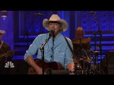 Music Review: Alan Jackson delivers on 'Angels and Alcohol' on  Jimmy Fallon Live | NBC (7/16/2015) - http://www.recue.com/videos/music-review-alan-jackson-delivers-on-angels-and-alcohol-on-jimmy-fallon-live-nbc-7162015-2/
