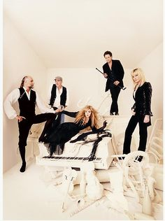Stevie with the other members of Fleetwood Mac grouped around her on the cover of Fleetwood Mac's album 'The Dance'; this  album was released in 1997     ♫♥❤♥♫