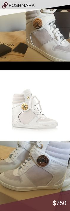 NEW NEVER WORN Louis Vuitton leather sneakers Absolutely new Louis Vuitton white leather sneakers boots Louis Vuitton Shoes Sneakers