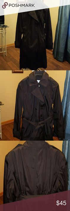Women's trench raincoat Women's trench raincoat, Calvin Klein worn only twice fully lined, 2 buttons are off but I have them Calvin Klein Jackets & Coats Trench Coats