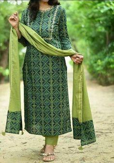 Simple Kurti Designs, Kurta Designs Women, Blouse Designs, Churidar Designs, Dress Designs, Kurtis With Pants, Kurta Neck Design, Kurti Patterns, Kurti Designs Party Wear