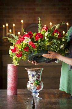 How to make a Christmas vase centrepiece...♥♥...                                                                                                                                                                                 More