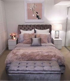 the headboard is cute. need one like this.