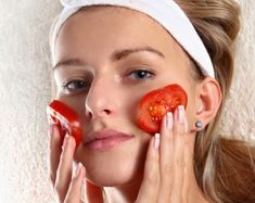 2 Ways on How to Reduce Facial Skin Pores by Using Tomato - Natural Beauty Skin Care Beauty Care, Beauty Skin, Hair Beauty, Beauty Secrets, Beauty Hacks, Blackhead Remedies, Facial Care, Tips Belleza, Beauty Recipe