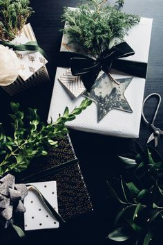 Christmas Gift Wrap :: House of Valentina