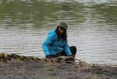 Jane with fishing net on ALASKA: THE LAST FRONTIER