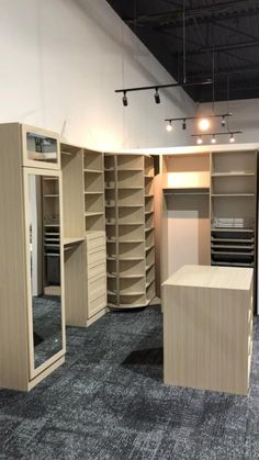 Wardrobe Room, Wardrobe Design Bedroom, Bedroom Closet Design, Master Bedroom Closet, Home Room Design, Modern Wardrobe, Small Master Closet, Huge Closet, Modern Closet
