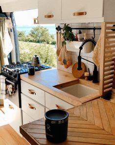 Caravan Living, Rv Living, Tiny Living, Home And Living, Camper Van Life, Caravan Renovation, Van Home, Camper Van Conversion Diy, Camper Caravan