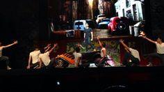 Alejandro Speitzer triunfando como Kiko en el musical Vaselina, arriba de su Rayo Rebelde.  #AlejandroSpeitzer #AlexSpeitzer #actor #Kiko #RayoRebelde #Vaselina #Mexico #teatro #Musical #2013