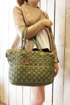 29b7670ed373 Handmade woven leather bag