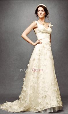 Wedding dress with gingko leaves embellishment,do you like it? http://www.partiesqueen.com/Products/A-line-Straps-Sweep-Train-Feather-Gingko-Leaves-Wedding-Dress