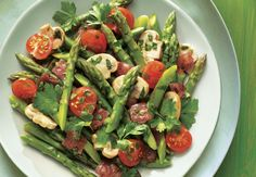 This combo is SO delicious and fresh: Asparagus with Mushrooms & Ham (sub diced chicken or tofu) Aldi Recipes, Healthy Recipes, Healthy Meals, Main Dish Salads, Main Dishes, Vegetable Side Dishes, Vegetable Recipes, Bright Line Eating Recipes, Aldi Meal Plan