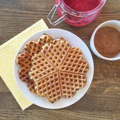 Lavkarbo glutenfri vafler Waffles, Healthy Recipes, Healthy Food, Low Carb, Gluten Free, Keto, Baking, Breakfast, Diabetes