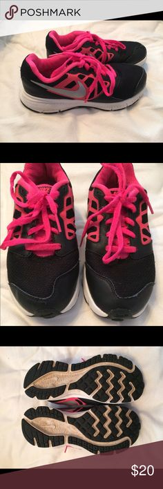 Girls hot pink and black tennis shoes GUC, bought off of a local site for my niece and didn't fit. Black and hot pink Nike tennis shoes. Girls youth 1. Nike Shoes Sneakers