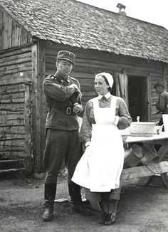 Soldier with Lotta Svard member History Of Finland, Finnish Women, German Soldier, Poster Pictures, Women In History, Helsinki, Armed Forces, World War Two, Historical Photos