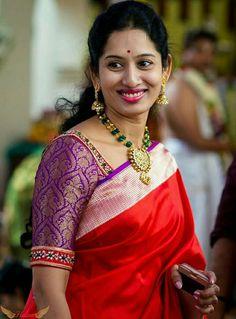 Some photos of Dupur Thakurpo 2 actress Antara Biswas Brocade Blouses, Saree Blouse Neck Designs, Designer Blouse Patterns, Blouse Models, Antara, Work Blouse, Indian Designer Wear, Indian Wear, Jaipur