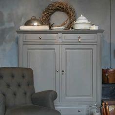 De Potstal - Antiek & Brocante Furniture Update, Diy Furniture Projects, Furniture Makeover, Home Furniture, Milk Paint Furniture, Painted Furniture, Paint Upholstery, Painted Chairs, Interiors