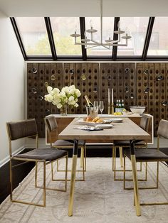 Moderne Klassik Esszimmer by Catherine Kwong Design