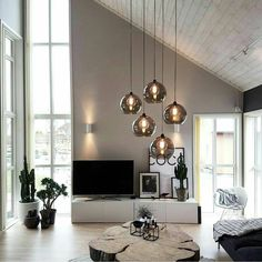 chic black and white living room interior, modern living .- schickes schwarz-weißes Wohnzimmer Interieur, modernes Wohnzimmerdekor chic black and white living room interior, modern living room decor … - Chic Living Room, New Living Room, Living Room Interior, Living Room Decor, Hanging Lights Living Room, Apartment Interior, Living Area, Cozy Living, Apartment Design