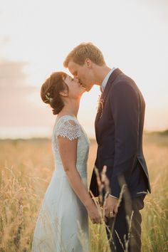 Eine Traumhochzeit in Schweden ~ Loke Roos Photography Country Style Wedding, Boho Wedding, Wedding Blog, Dream Wedding, Wedding Day, Norwegian Wedding, Swedish Wedding, Wedding Portraits, Wedding Photos