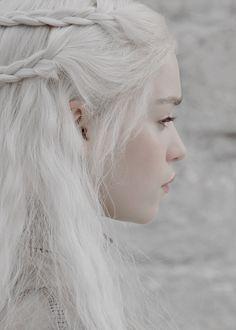 """lannisten: """" Daenerys Targaryen in Game of Thrones 2.10 """"Valar Morghulis"""" (x) """""""