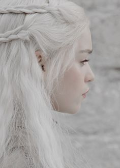 "lannisten: Daenerys Targaryen in Game of Thrones 2.10 ""Valar Morghulis"" (x)"