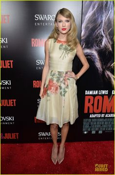 taylor swift supports bff hailee steinfeld at romeo juliet premiere 03  Harry Styles c98dcc58d74