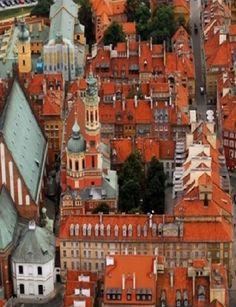 Ponad 8 mln zł na zabytki. Najwięcej dostanie kościół św. Anny. http://tvnwarszawa.tvn24.pl/informacje,news,ponad-8-mln-zl-na-zabytki-najwiecej-dostanie-kosciol-sw-anny,169906.html