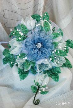 "Свадебный букет из бисера ""Единственный"" SALE Beaded Bouquet, Wedding Brooch Bouquets, Seed Bead Flowers, French Beaded Flowers, Pearl Crafts, Bead Jewellery, Handmade Beads, Ribbon Crafts, Beads And Wire"