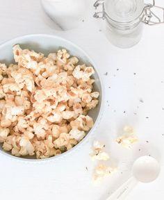 5 Minute Healthy Snack: Savory Herb Popcorn