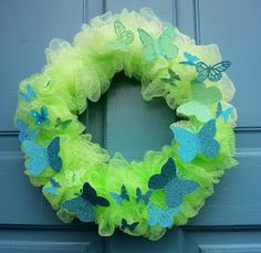 Make The Best of Things: Spring Wreath from a Bath Scrubbie