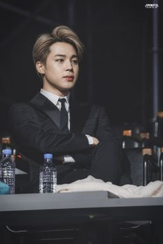 Find images and videos about kpop, bts and jimin on We Heart It - the app to get lost in what you love. Namjoon, Jhope, Seokjin, Taehyung, Bts Bangtan Boy, Hoseok, Bts Boys, Park Ji Min, Yoonmin