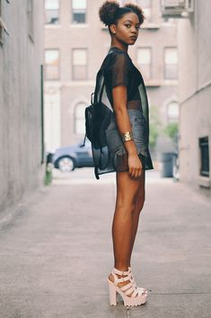 Neon fox style, beauty, fashion, lifestyle: o u t f i t: how to be naked in Fashion Poses, Fashion Outfits, Fashion Tips, Womens Fashion, Artistic Fashion Photography, Grunge, Modest Summer Fashion, Ny Style, Swimsuits For Curves