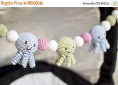 Crochet Octopus Stroller Toy, Baby Mobile Virkad vagnmobil med bläckfiskar
