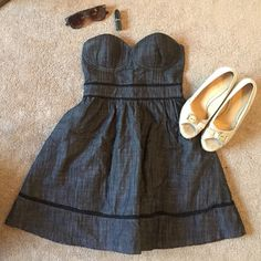 Denim Black Short Length Strapless Dress NWT! Never Worn!! Denim Black Short Length Strapless Dress. Lining on the inside is 100% cotton. Breast area is slightly padded and gives breast a little push up. Super cute and versatile. Must have! Forever 21 Dresses Strapless