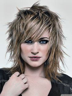 Punk hair styles Punk Haircuts Styles – Best Hairstyle and Haircut Ideas 10 Unique Punk Hairstyles For Girls In 2016 Short Punk Haircuts, Choppy Haircuts, Haircuts For Long Hair, Haircut Short, Rocker Haircuts, Layered Haircuts, Medium Hair Cuts, Medium Hair Styles, Natural Hair Styles